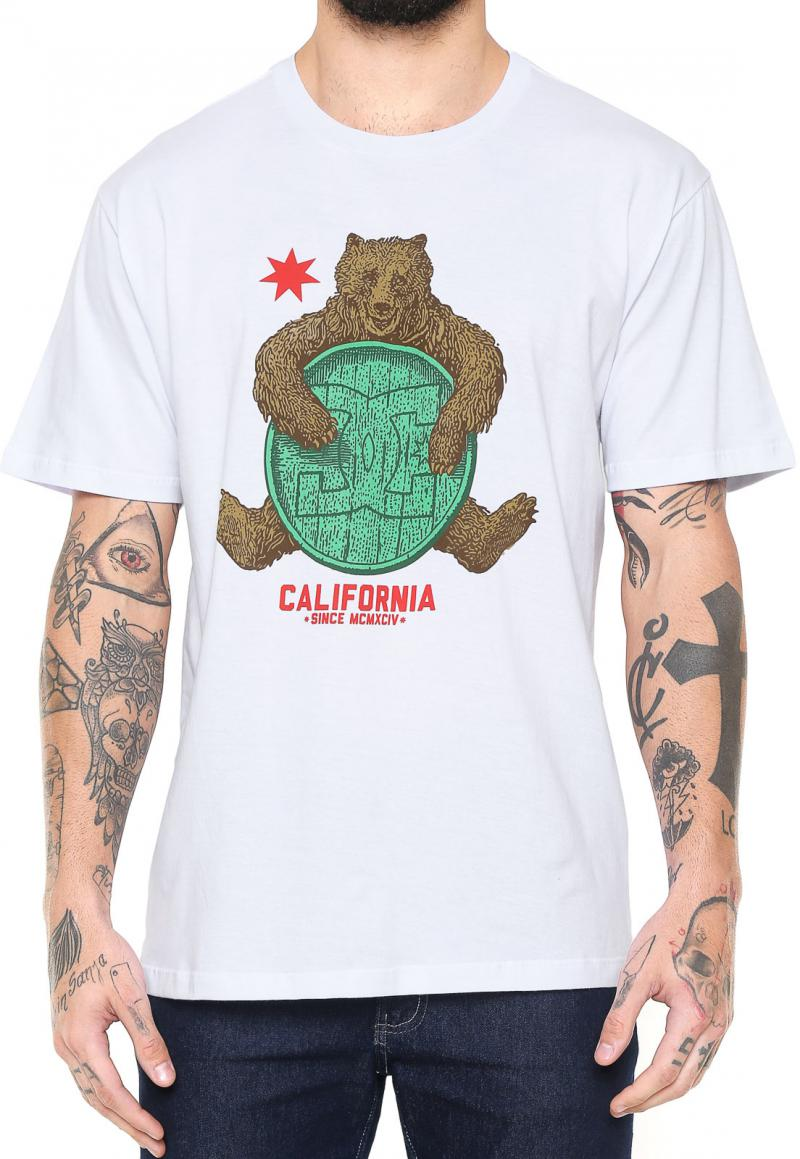 Camiseta DC Shoes Bearly Legal - Branca